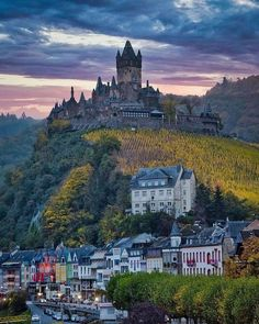 """Castle Pics on Instagram: """"Cochem Castle, Germany 🇩🇪 🤩🏰 . . Photo by @momentsofgregory . . #mobicastle #instatravel #instagram #history #world #europe…"""" Germany Castles, Beautiful Castles, Fortification, High Quality Images, Around The Worlds, Photo And Video, Building, House Styles, Travel"""