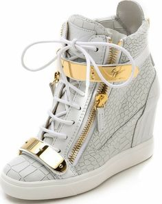 Sneakers nike wedges giuseppe zanotti Ideas for 2019 Sneaker High Heels, Wedge Heel Sneakers, Sneakers Mode, Sneaker Outfits, Converse Outfits, Fashion Heels, Sneakers Fashion, Girl Fashion, Nike Wedges