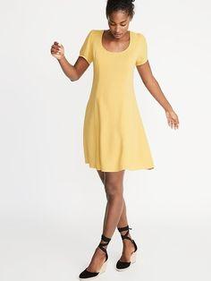 Old Navy Linen-Blend Fit & Flare Dress for Women Toddler Boy Fashion, Toddler Girl Style, Baby Girl Fashion, Fit Flare Dress, Fit And Flare, Maternity Shops, Hot Dress, Girls Shopping, Dresses For Work