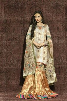 #dailystylish #highfashion #bridal #fashion #palazzo #salwarsuit #embroidery #pants #velvet #kurta #bride #velvet #salwarsuit #salwarkameez #lehnga #sare #anarkali #kurti #sharara #lehngacholi #tunic Pakistani Outfits, Indian Outfits, European Fashion, Asian Fashion, Pakistani Bridal Couture, Desi Clothes, Asian Clothes, Colourful Outfits, Colorful Clothes