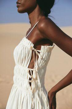 Paris Dresses, Open Back Dresses, Summer Trends, Dress Backs, Summer Looks, Summer Outfits, White Dress, Style Inspiration, Couture