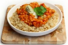 Rode linzen stoofpot met artisjokhart en quinoa
