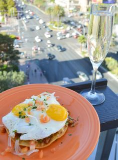 From turkey burgers to huevos rancheros, Bubbles & Brunch at Overlook Grill has the perfect Sunday brunch menu. Did we mention it includes bottomless champagne or mimosas? #VegasEats