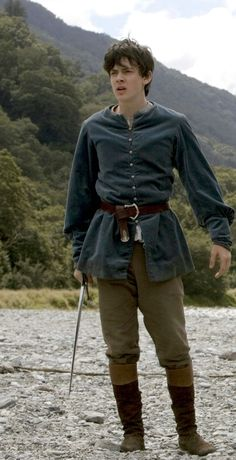 Skandar Keynes as Edmund Pevensie - The Chronicles of Narnia Prince Caspian