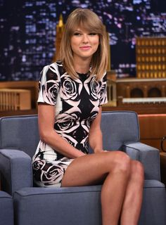 Taylor Swift - hair, dress, makeup - so cute!
