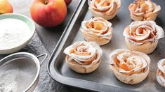 Jablkové ružičky z lístkového cesta Cheesecake, Muffin, Breakfast, Food, Hampers, Morning Coffee, Cheesecakes, Essen, Muffins
