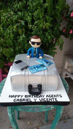 torta agente FBI   figura modelada a mano