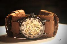 Часы с дизайнерским браслетом ручной работы. 3500 рублей. http://martmania.ru/mehanicheskiy-bronenosec