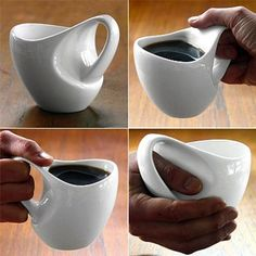 23 tazas algo especiales I want this! I always hold my coffee cup like I am cradling it in my hands. Coffee Shop, I Love Coffee, Coffee Cups, Pottery Mugs, Ceramic Pottery, Tassen Design, Coffee Cup Design, Tadelakt, Cool Mugs