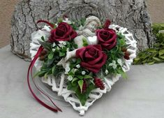 Best Picture For funeral funny For Your Taste You are looking for something, and it is going to tell you exactl Grave Flowers, Cemetery Flowers, Funeral Flowers, Cemetery Decorations, Heart Decorations, Valentine Decorations, Arte Floral, Deco Floral, Funeral Flower Arrangements