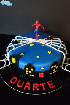Duarte e o seu herói ... Homem Aranha