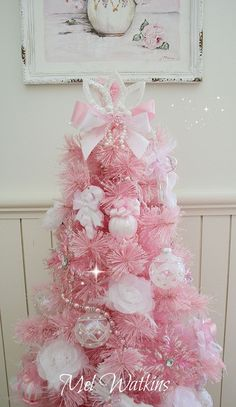 Thinking about girly and shabby chic Christmas trees? Then try these adorable Pink Christmas tree Ideas that will make your hme look romantic & magical. Pink Christmas Decorations, Shabby Chic Christmas, Colorful Christmas Tree, Victorian Christmas, Beautiful Christmas, Vintage Christmas, Noel Christmas, Christmas Crafts, Rosa Pink