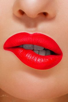 Lipstick Shades, Red Lipsticks, Love Lips, Girls Lips, Red Lip Makeup, Perfect Lips, Kissable Lips, Beautiful Lips, Beautiful Beach