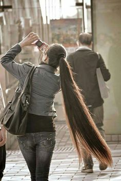 very long hair hair perfect straight long hair.hey, a girl can wish! Really Long Hair, Super Long Hair, Beautiful Long Hair, Gorgeous Hair, Pretty Hairstyles, Straight Hairstyles, Girl Hairstyles, Easy Hairstyles, Straight Ponytail
