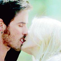 Captain Hook Emma Swan Killian Jones Colin O'Donoghue Jennifer Morrison Once Upon A Time If you take place like thanks Miriam Captain Swan Kiss, Captain Hook, Emma Swan, Movie Couples, Cute Couples, Ouat, Once Upon A Time, Best Tv Shows, Movies And Tv Shows