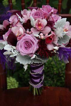 colores rosa vieja, lila, y morado