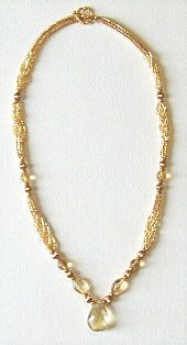 Glowing Citrine Herringbone Necklace Pattern by Deb Moffett-Hall aka Patterns to Bead at Bead-Patterns.com