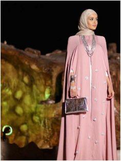 Copyright@sayidati.net Modesty Fashion, Abaya Fashion, Muslim Fashion, Skirt Fashion, Fashion Dresses, Abaya Designs, Hijab Style, Hijab Chic, Abaya Mode