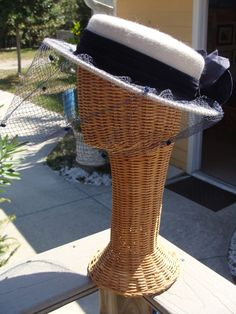 Vintage Ladie's Whittall & Shon Mahara Hat Wool Veil Netting Light Gray Purple