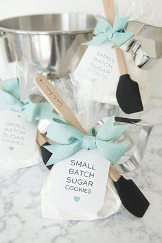 DIY - Small Batch Sugar Cookie Mix Favor with mini-spatula and heart cookie cutter + free tag printables!