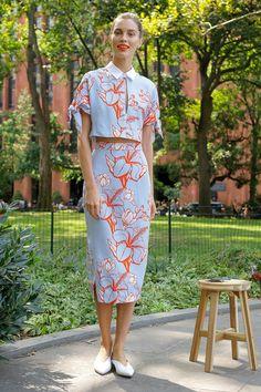 Lela Rose Spring 2018 Ready-to-Wear Fashion Show Collection Look Fashion, Fashion Show, Womens Fashion, Fashion Design, Fashion Trends, Fashion Magazin, Batik Fashion, Batik Dress, Lela Rose