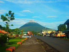 VOLCAN ARENAL, COSTA RICA.