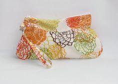 Zipper Wallet Wristlet wristlet clutch Wristlet by MintChocolat Wristlet Wallet, Zipper Pouch, Clutch Bag, Fabric Design, Delicate, Etsy Shop, Purses, Bags, Handbags
