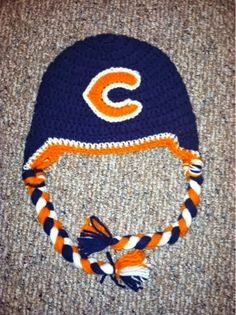 Chicago Bears crochet hat!! @Amanda Snelson Ewbank could you make one for R?? How much would it be?
