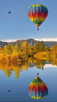 Google Image Result for http://cdn2.staztic.com/screenshots/landscape-hot-air-balloons-10-2.jpg
