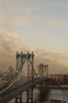 Manhattan Bridge | New York (by Atisha Paulson)