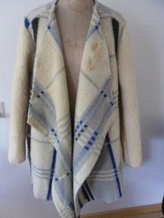 Korte jassen - Jas of vest gemaakt van vintage dekens, mt. M L - Een uniek product van MORETHANVINTAGE op DaWanda