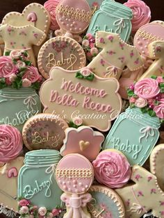 Shabby Chic Baby Shower Cookies – Claudia's Creative Cookies shabby chic-babyparty-plätzchen – claudias. Fiesta Baby Shower, Baby Shower Niño, Shower Bebe, Girl Shower, Baby Shower Parties, Baby Shower Themes, Baby Shower Gifts, Shower Party, Shower Ideas