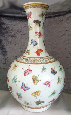 """1870s-1900s Superb Antique Chinese Qing Dynasty Guangxu Famille Rose 100 Butterfly Globular Porcelain Enamel Vase . . . Graceful 13"""" bottle form decorated overall with vibrant hand painted butterflies in flight."""