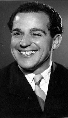 Ángel de Andrés Miquel (Madrid, 25 de mayo de 1918 - Madrid, 6 de agosto de 2006) fue un empresario teatral y actor español.2 Tío del también actor Ángel de Andrés López (1951-2016).