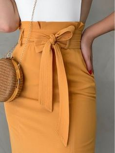 Classy Work Outfits, Casual Skirt Outfits, Classy Dress, Western Wear Dresses, Western Wear For Women, Latest African Fashion Dresses, African Print Fashion, Clothing Photography, Outfit Trends
