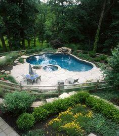 pool im garten Jardim d elegncia s piscinas Backyard Pool Designs, Swimming Pools Backyard, Pool Landscaping, Pool Landscape Design, Mini Pool, Rectangular Pool, Plunge Pool, Dream Pools, Beautiful Pools