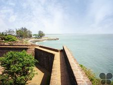 For those who like to travel back into the past, Kannur Fort is bound to enchant you.
