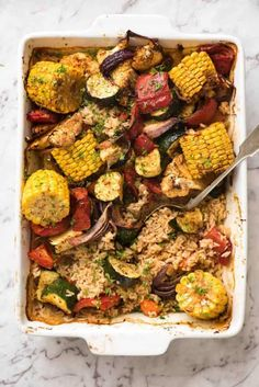 Oven Baked Rice and Vegetables (ONE PAN!) Oven Baked Rice and Vegetables – Fluffy seasoned rice and oven roasted vegetables, all made in ONE pan! Fabulous meal or side, super quick and easy to prep. Roasted Veggies In Oven, Baked Vegetables, Oven Baked Rice, Seasoned Rice Recipes, Vegetarian Recipes, Cooking Recipes, Celiac Recipes, Quick Recipes, Vegetable Rice