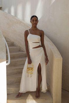 80s Fashion, Look Fashion, Korean Fashion, Fashion Dresses, Womens Fashion, Fashion Design, Wild Fashion, Fashion Mask, Petite Fashion