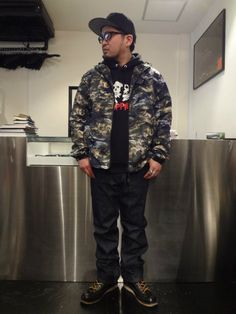 """SNAP BACK """"A&R"""" http://www.rams-web.com/products/detail6583.html CROSSHAND PULLOVER http://www.rams-web.com/products/detail6586.html SATELLITE CAMO MOUNTAIN HOODIE JACKET http://www.rams-web.com/products/detail6707.html G-7 SELVAGE JEAN http://www.rams-web.com/products/detail6500.html"""