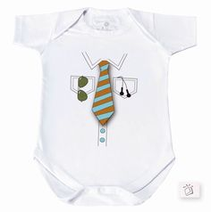 Body manga curta em meia malha, com fechamento em botões de pressão e transpassado nos ombros. PAG 77 REF 98101 COR 24 gravata - Catálogo Baby