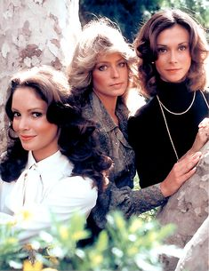 Charlie's Angels aired on ABC from 1976 to 1981. Kate Jackson, Farrah Fawcett, and Jaclyn Smith.