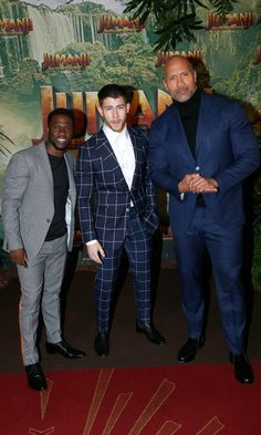 Kevin Hart, Nick Jonas and Dwayne Johnson were three dapper dudes at the Jumanji : Welcome to the Jungle premiere in Paris.