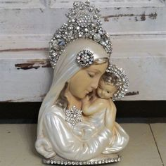 vtg MaDonnA wall religious Plaque MARY Chalkware Plaster RHINESTONE jewelry lot Religious Icons, Religious Art, Images Of Mary, Mary And Jesus, Angel Statues, Madonna And Child, Catholic Art, Blessed Mother, Mother Mary