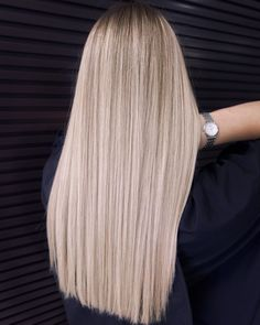 Ash Blonde Hair Silver, Ash Blonde Hair Balayage, Blonde Hair Looks, Balayage Ombré, Blonde Hair Girl, Platinum Blonde Hair, Undercolor Hair, Hair Upstyles, Scarf Hairstyles