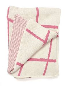 Wavy Grid Throw - Pink