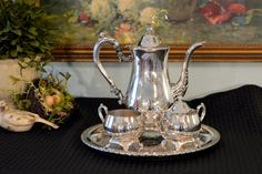 Please take time to look at all the photos. The ZOOM feature is amazing!  Beautiful Oneida Silver Plate Tea Set.  Round Serving Tray with teapot,