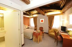 Monaco & Grand Canal Hotel in Venice - Single Room Conference Facilities, Grand Canal, Travel Agency, Italy Travel, Monaco, Guest Room, Venice, Bucket, Luxury
