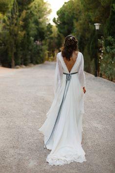 Leticia och Richis bröllop i Altea WEDDINGS - Wedding Confessions - pins Wedding Dress Sash, Top Wedding Dresses, Edgy Outfits, Summer Outfits, Dream Wedding, Wedding Day, Bridal, Marie, Beautiful
