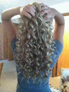 Long Blonde Spiral Curls If only my hair was this long! I'm pretty sure @Abbey Jarrard could do this!